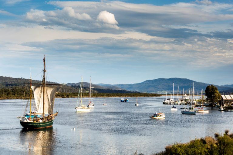 Calm River Cruise on the Huon River Yukon-Tours for WEB